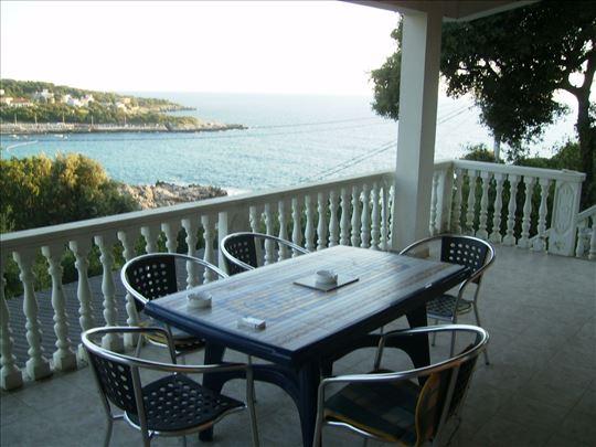 Crna Gora, Utjeha, kuća za odmor