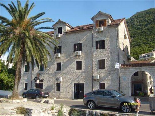 Montenegro, Boka Kotorska Bay Stoliv