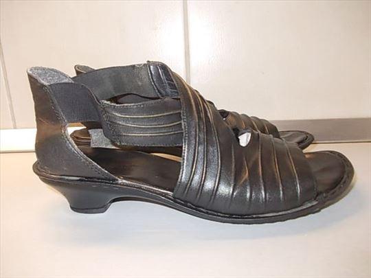 Sandale broj 40 kožne, iz Nemačke, poznatog brenda