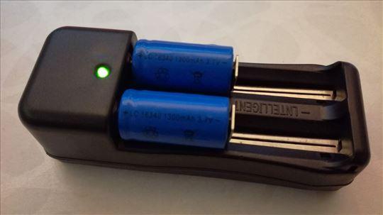 16340 Litijum Jon baterije sa automatskim punjačem