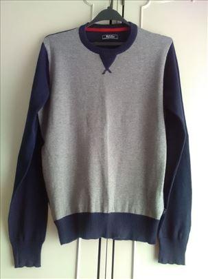 Muški džemper (vel. L) - extra povoljno!