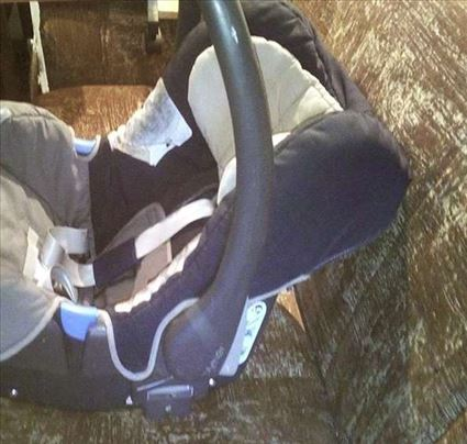 Autosedalo za bebu kolevka i nosiljaka 3 u 1