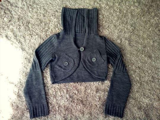 Fenomenalan kratak džemper/jaknica