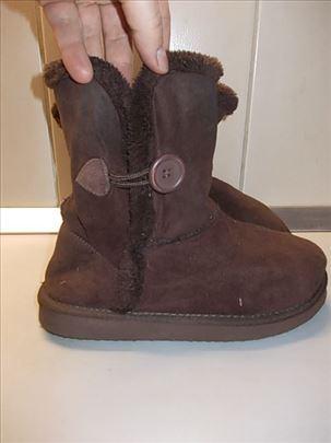 Čizme broj 38 iz Nemačke, termopostavljene, deblji