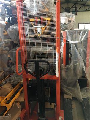Prodaja stakera (hidrauličnih viljuškara)