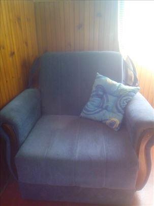 Prodajem fotelju na razvačenje