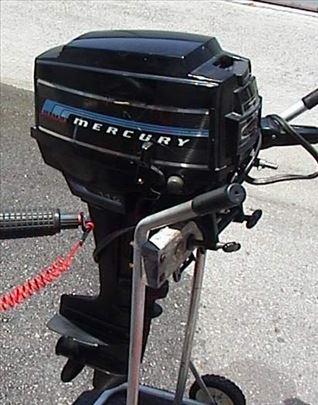 Vanbrodski motor Mercury 9,8