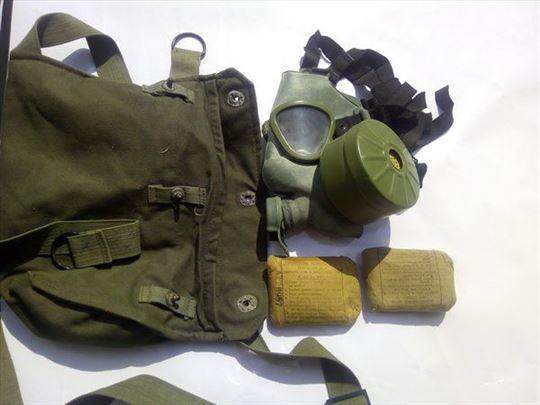 Gas maska sa torbicom i zavojima