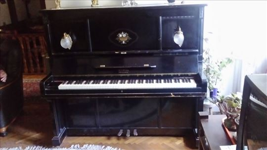 Izuzetan, unikatan pianino