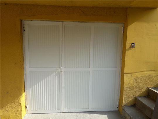 Garažna vrata prodajem, 2,15m x 2m, metalna