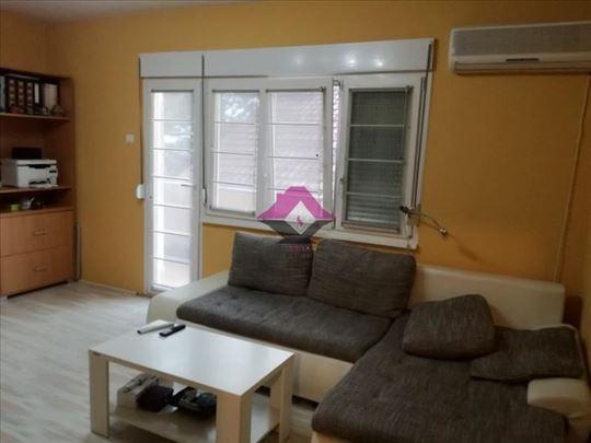 Čukarica, Bele Vode, stan u kući sa dvorištem, 86m