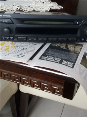 Prodajem radio cd za bmw-e91