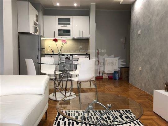 Lux stan, 2.5, odlična lokacija