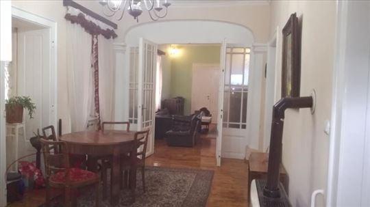 Srbobran, Odlična velika kuća sa lokalom u centru,