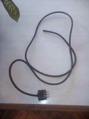 Trofazni kabl  za kućne aparate