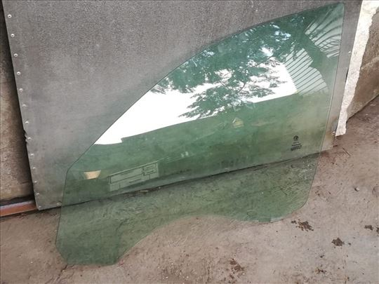 Prednje levo staklo za Alfu 159