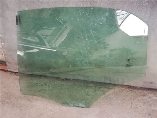 Zadnje levo staklo za Alfu 159 limuzina