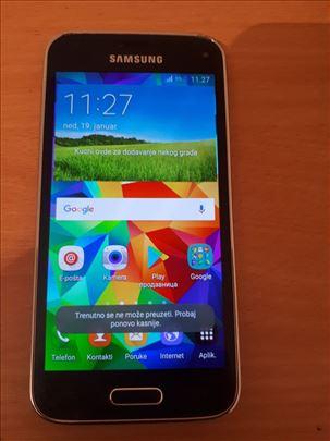 Samsung Galaxy S5  G800F, dobro očuvan