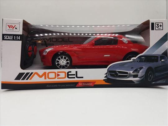 Automobil na daljinski dzojstik akcija-Automobil
