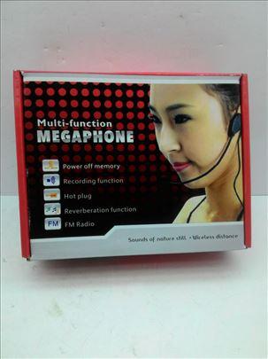 Multifunkcioni megafon