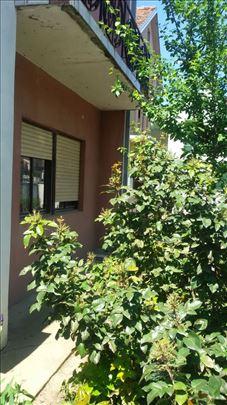 kuću sa 28 ari placa za investitore prodajemo