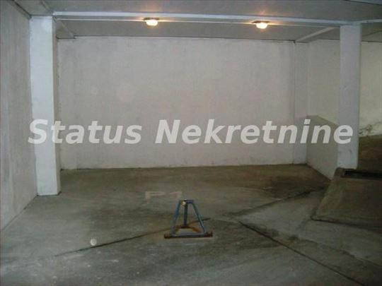 Centar-garaža