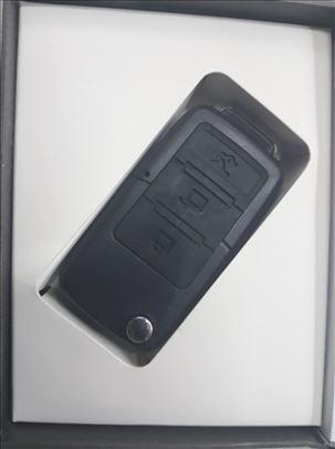 Špijunska kamera BMW ključ