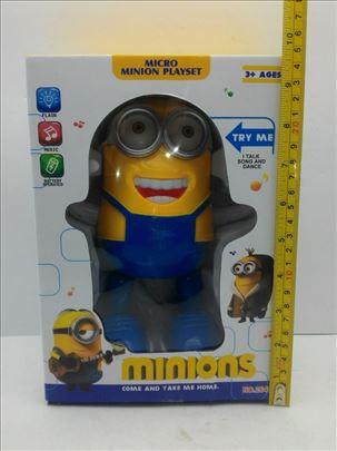 Velika igračka Minions na baterije