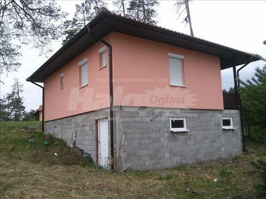HITNO prodajem vikendicu u blizini Zlatibora