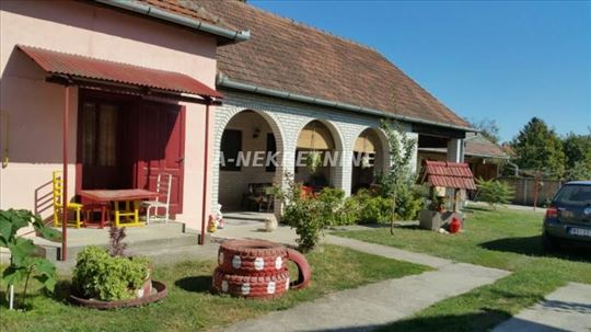 Srbobran, kuća, centar, 35000eura