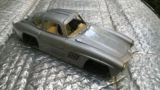 Burago Mercedes , 1:24, nekompletan za delove II