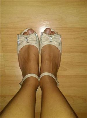 Krem sandale sa masnom 38