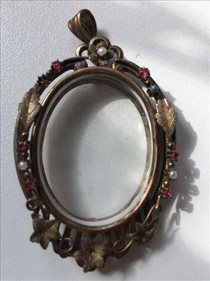 Stari privezak medaljon
