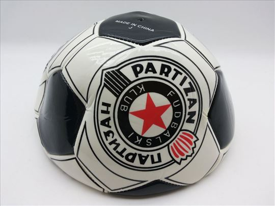 Fudbalska lopta-Partizan stan lopta