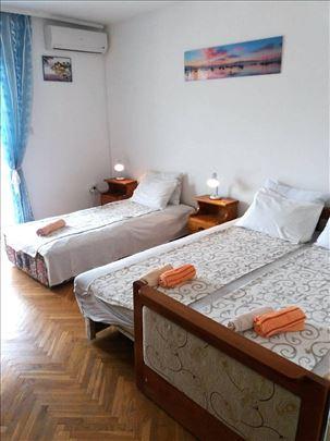 Herceg Novi, apartmani i sobe, Savija, Topla