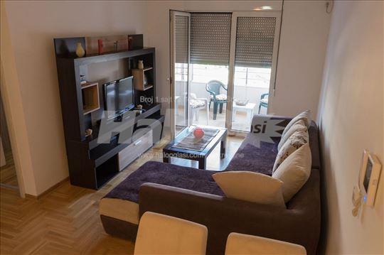 Menjam dvosoban stan u Budvi za stan u Beogradu