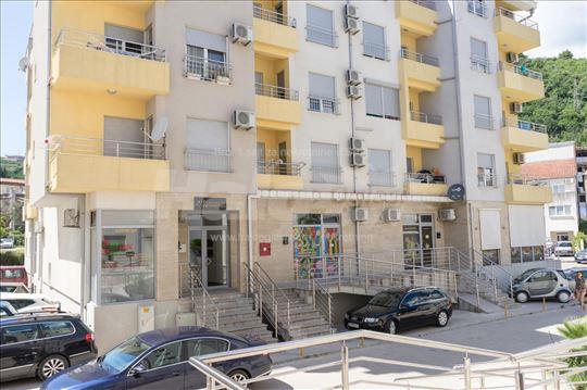 Menjam jednosoban stan u Budvi za stan u Beogradu