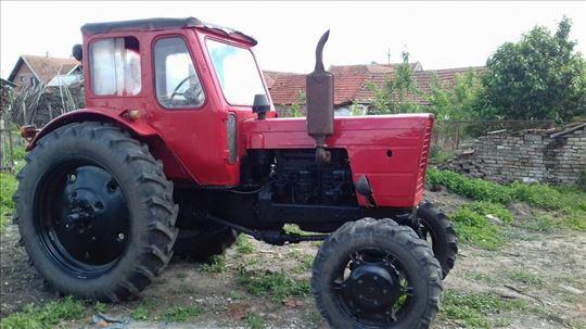 Traktor Beralus 52