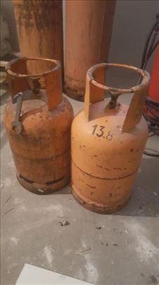 Plinske boce male 1500, velike 4500. (neatestirane