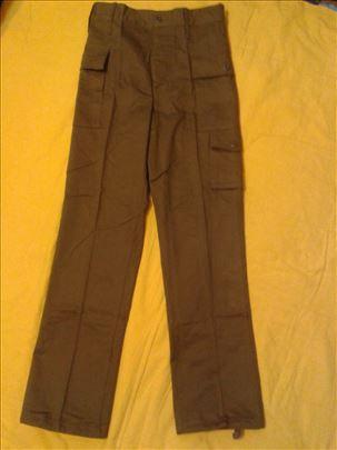 Radne - vojne pantalone XS vel. nova