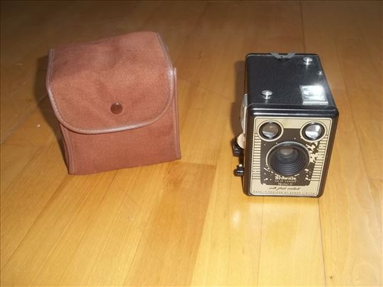 Stari fotoaparat Kodak - Brownie six-20 Camera