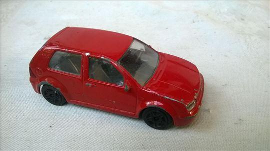 Burago Volkswagen Golf 1998, 1:43,izgreban