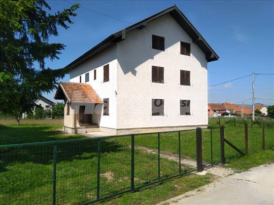 Prodajem kuću u Atenici kod Čačka