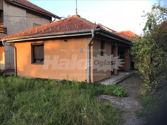 Kuća u Kruševcu, 5 soba, 2 kupatila, 2 ara placa