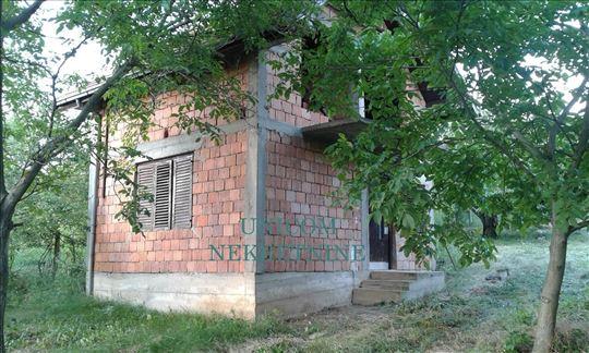 Kuća 60m2 na 13 ari  Grocka - Cigansko brdo