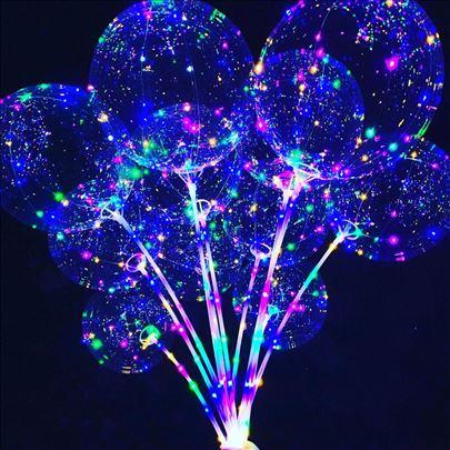 Svetleći baloni u Novom Sadu