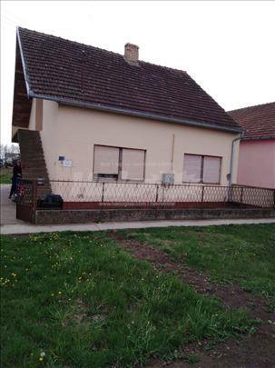 Kuća u Žablju 102m2, plac 7 ari