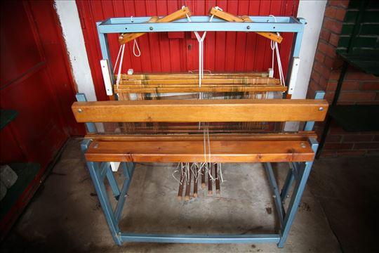 Hitno! Sniženo! Razboj za tkanje,6 pedala-kao nov!