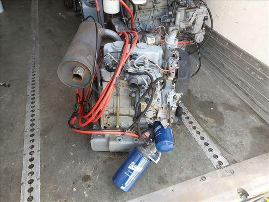 Motor Kubota D722
