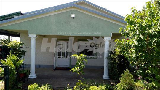 Kuća/Vikendica, 130m2, kod Vinarije Šapat